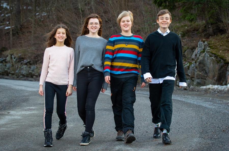 Strutens fyra juniorreportrar